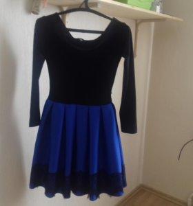 Платье нарядное р.42