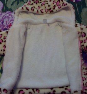 Курточка плюшевая на девочку 1-2 года.
