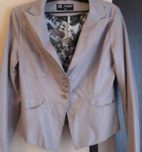 Куртка-пиджак кожаная 46-48 р