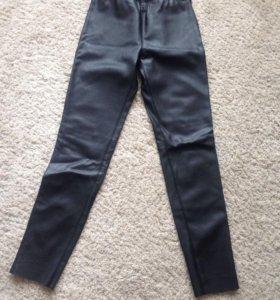 Кожаные брюки Zara