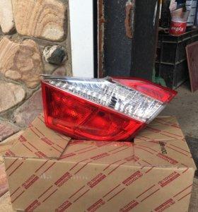 Фонарь задний , правый багажника Toyota camri