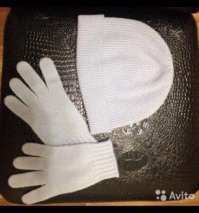 Комплект Benetton-шапка и перчатки
