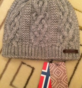 Зимняя шапка новая