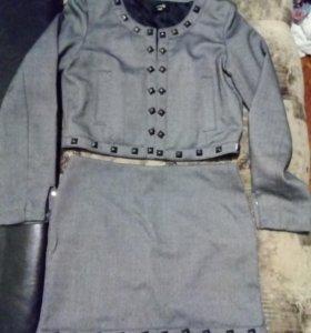 Пиджак и юбка. Комплект 44р