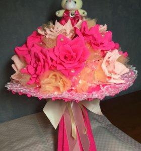 Букет из роз и игрушки
