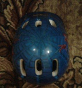 Шлем для роликов или самоката