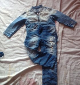 Джинсы и курточка Gloria jeans