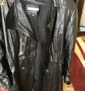 Длинная кожаная куртка