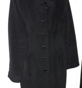 Пальто 48-50 размер.