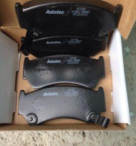 Колодки тормозные передние Nissan Almera N15
