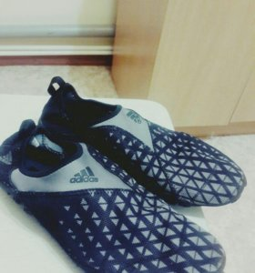 Кроссовки Adidas новые