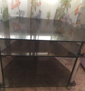 Продаю угловой стол