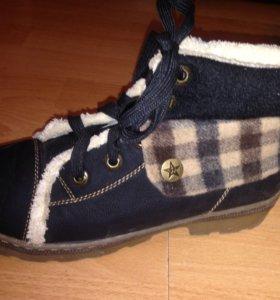 Утепленные ботинки 38р