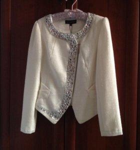 Пиджак женский размер М