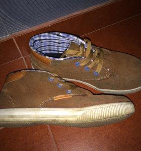 Ботинки Р. 35