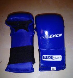 Перчатки для рукопашного боя почти новые размер М