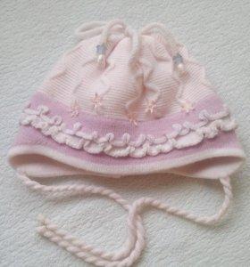 Пакет из зимних шапочек на 1-2 года.