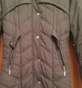 Пальто, утепленное на синтепоне.