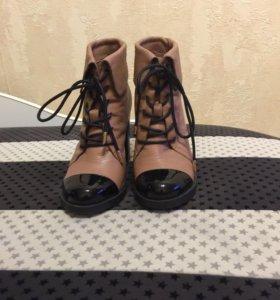 Кожаные ботильоны (ботинки) Graciana