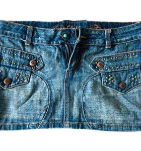 Юбка мини джинсовая с заклепками