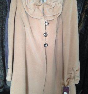 Новое пальто р52-54