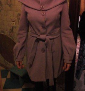 Пальто с биретами и шарфом
