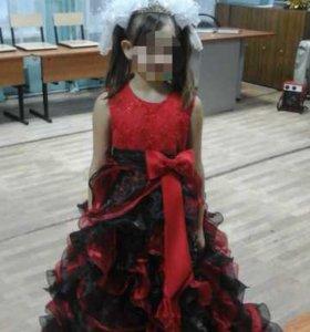 Платье 140-146 на девочку 9-10 .