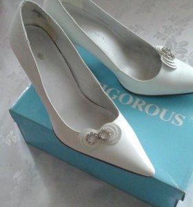 Свадебные туфли vigorous