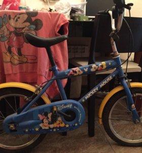 Фирменный велосипед Disney