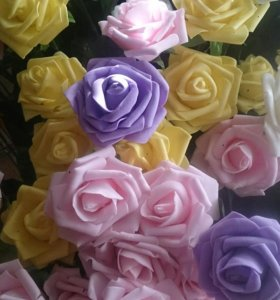 Разноцветные интерьерные розы из латекса