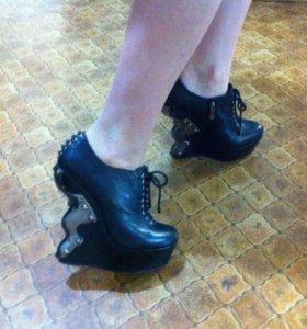 Обувь женская 36-37 р-р