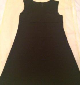 Платье для девочки чёрное на кокетке, рост 136-140