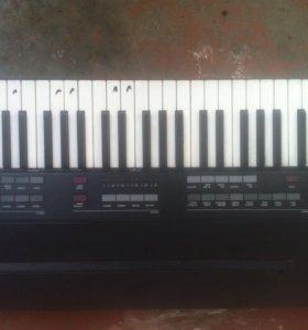 Синтезатор Vermona производства гдр