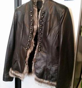 Кожаная куртка пиджак.