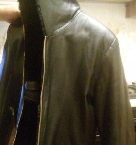 Продаю зимнюю кожанную куртку