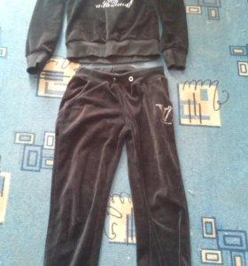 Продам спортивный костюм р-р44-46