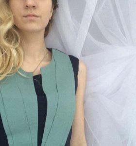 Платье с голубым воротничком