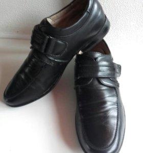 Туфли( ботинки) для мальчика