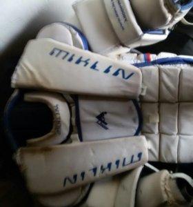 Хоккейная вратарская форма