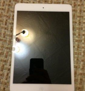 Планшетный компьютер Apple iPad mini 16 Гб Wi-Fi+