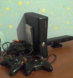 Xbox360 с кинектом двумя джостиками и 8 игр