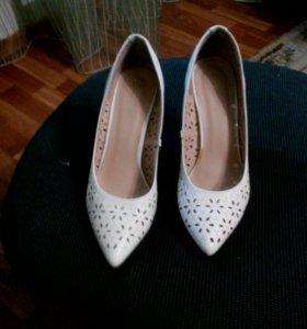 Продам туфли 89510748109