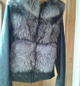 Меховая куртка с чернобуркой.