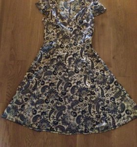 Платье лето с шикарным декольте на пышную грудь