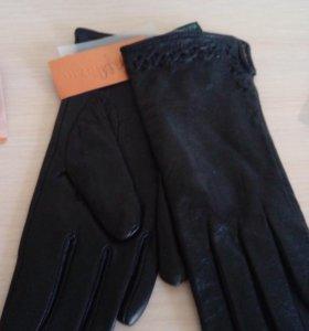 Перчатки женские,кожаные