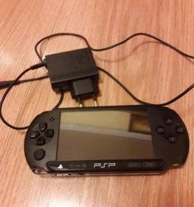 Портативная игровая приставка PSP E1008 Black.