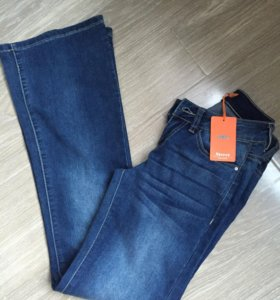 Новые джинсы клёш !с бирками