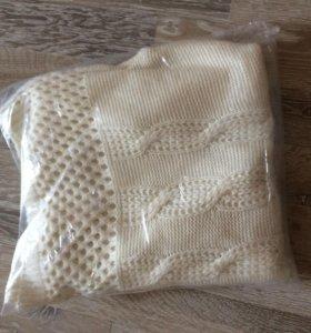 Новый белый вязаный свитер