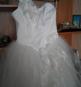Платье свадебное р 44-46