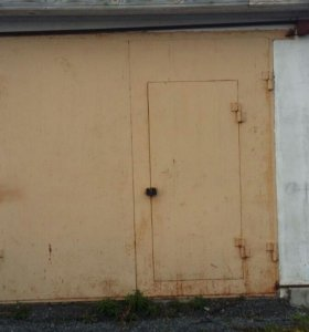 Продаю капитальный гараж на ангальском.